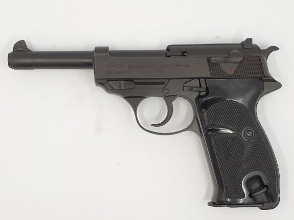 Walther P38 mit Holster